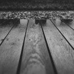 Jak odnowić drewniany taras?
