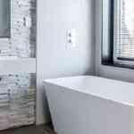 Gniazda elektryczne w łazience – jakie wybrać